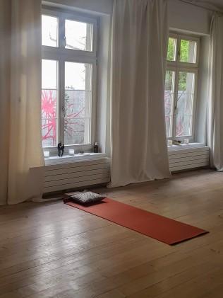 serratus studio zurich practice room