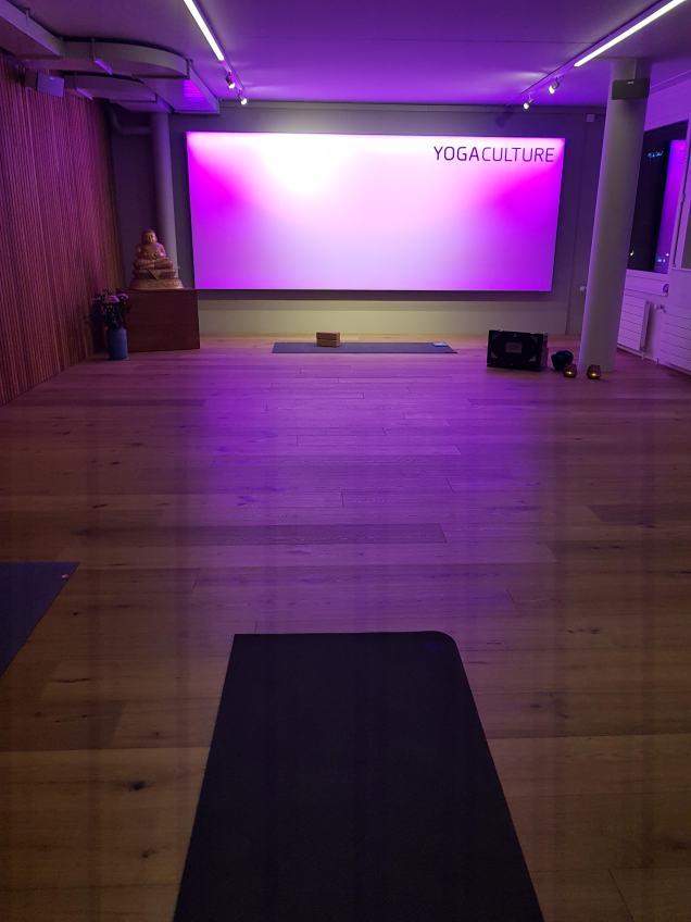 yoga culture studio room