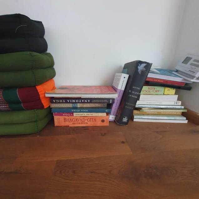 IKWE Yoga Studio Cluj-Napoca - Reading material